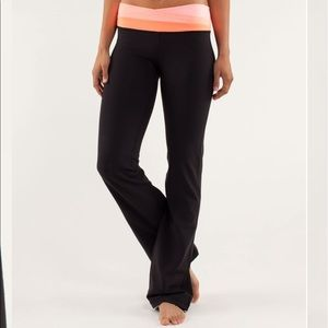 Lululemon Black and Coral Astro Pant Size 2